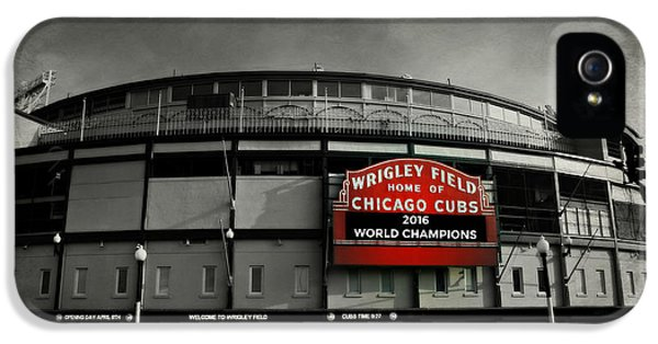 Wrigley Field IPhone 5s Case by Stephen Stookey