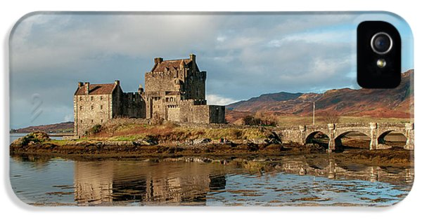 Castle iPhone 5s Case - Eilean Donan Castle by Smart Aviation