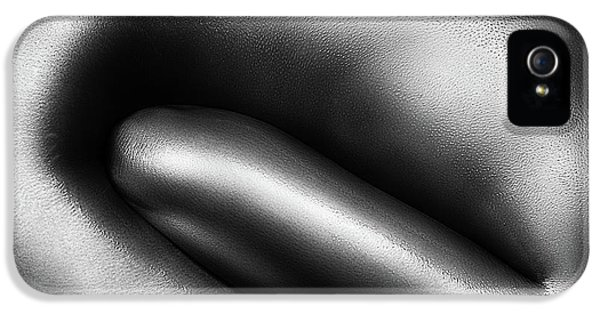 Armed iPhone 5s Case - Female Nude Silver Oil Close-up 3 by Johan Swanepoel