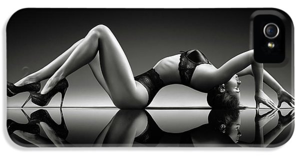 Armed iPhone 5s Case - Sensual Woman With Lingerie by Johan Swanepoel