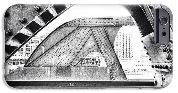 Chicago Bridge In Black And White IPhone 6 Case