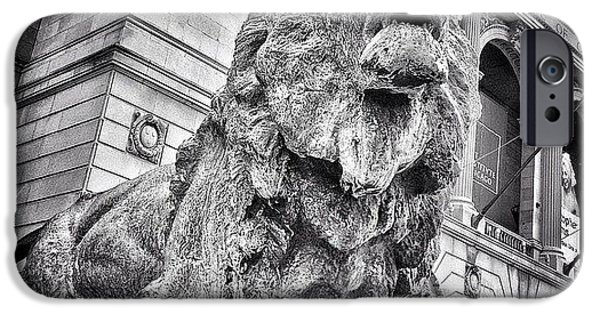 City iPhone 6 Case - Lion Statue At Art Institute Of Chicago by Paul Velgos