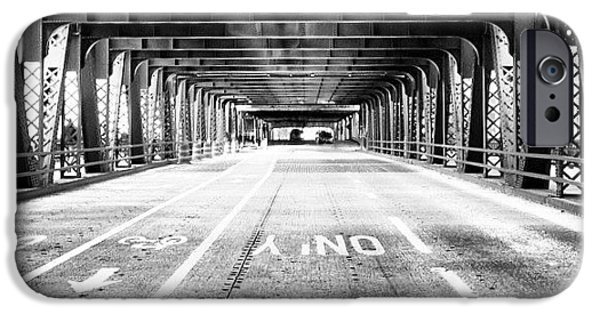 Architecture iPhone 6 Case - Chicago Wells Street Bridge Picture by Paul Velgos
