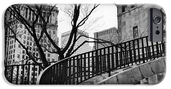 Chicago Staircase Black And White Picture IPhone 6 Case