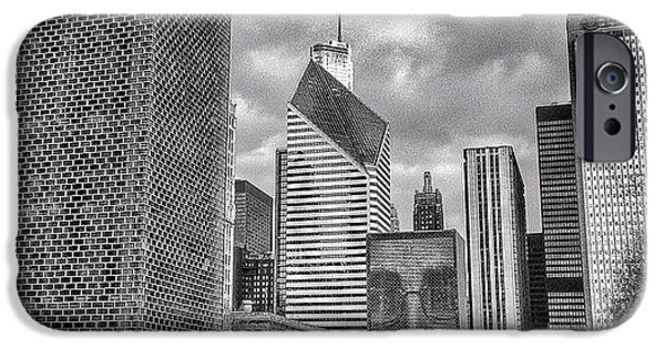 Chicago Crown Fountain Black And White Photo IPhone 6 Case