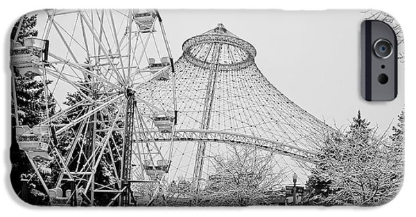 Smoothie iPhone 6 Case - Ferris Wheel And R F P Pavilion - Spokane Washington by Daniel Hagerman