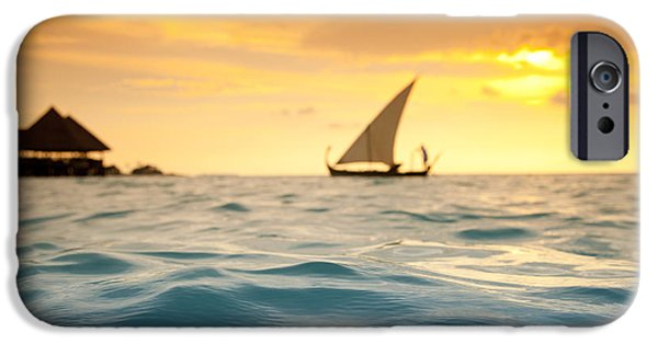 Water Ocean iPhone 6 Case - Golden Dhoni Sunset by Sean Davey