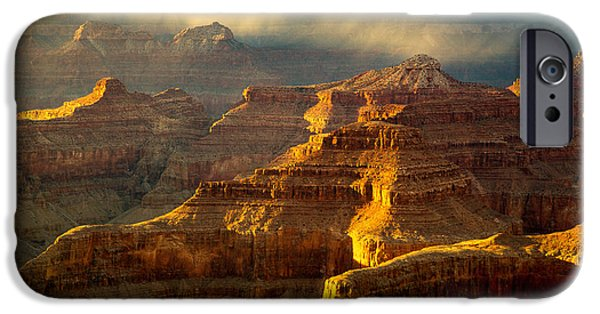 Grand Canyon iPhone Cases - Last Light iPhone Case by Laura Zirino