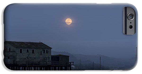 Moonrise Over The Harbor IPhone 6 Case