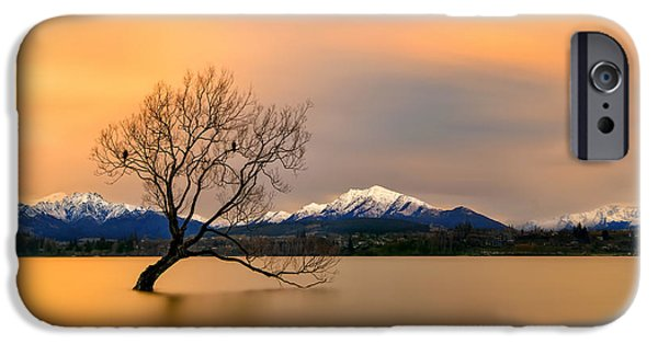 Lake iPhone 6 Case - Morning Glow Of The Lake Wanaka by Hua Zhu