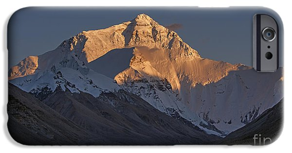 Mount Everest At Dusk IPhone 6 Case by Hitendra SINKAR