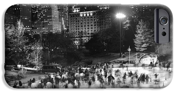New York City - Skating Rink - Monochrome IPhone 6 Case by Dave Beckerman