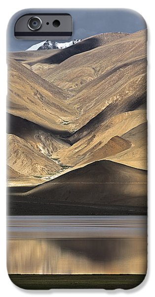 Golden Light Tso Moriri, Karzok, 2006 IPhone 6 Case by Hitendra SINKAR