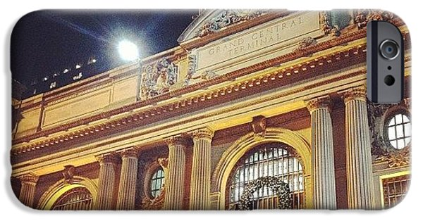 City iPhone 6 Case - Grand Central Christmas Wreath by Randy Lemoine