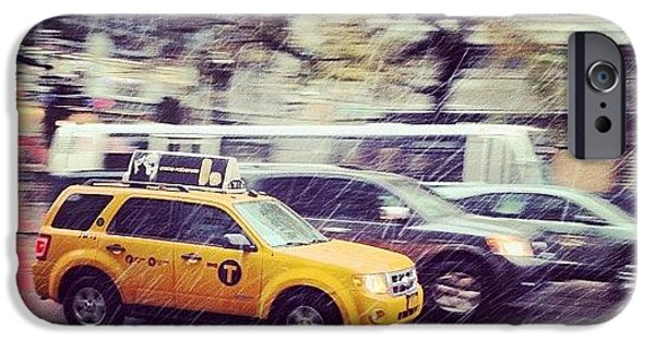 City iPhone 6 Case - Snow In Nyc by Randy Lemoine