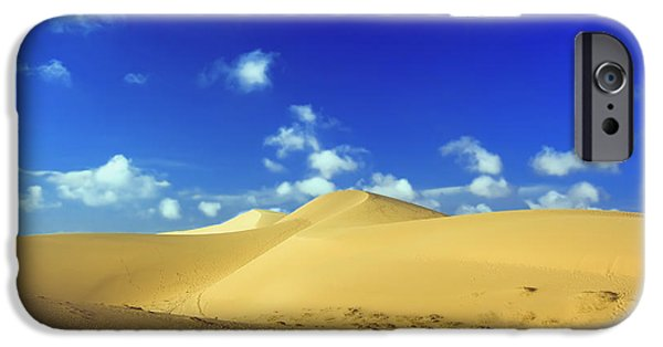 Sahara Sunlight iPhone Cases - Sandy desert iPhone Case by MotHaiBaPhoto Prints