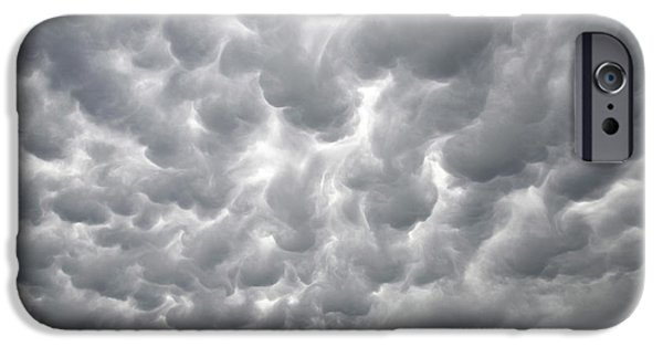Nebraska iPhone Cases - Mammatus Clouds iPhone Case by Ray Mathis