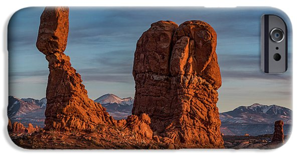 iPhone 6 Case - Balanced Rock Sunset by Dan Norris
