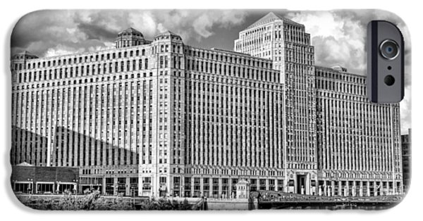IPhone 6 Case featuring the photograph Chicago Merchandise Mart Black And White by Christopher Arndt