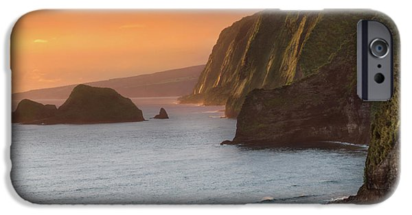 Pacific Ocean iPhone 6 Case - Hawaii Sunrise At The Pololu Valley Lookout 2 by Larry Marshall