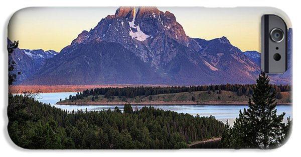 Morning At Mt. Moran IPhone 6 Case by David Chandler
