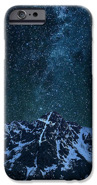 IPhone 6 Case featuring the photograph Mt. Of The Holy Cross Milky Way by Aaron Spong