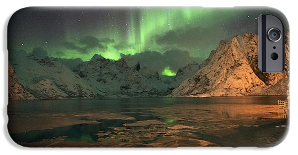 Northern Light In Lofoten, Nordland 1 IPhone 6 Case by Dubi Roman