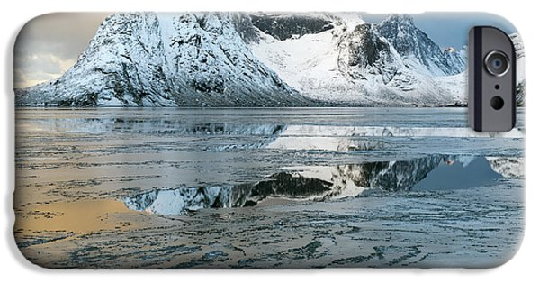 Reine, Lofoten 5 IPhone 6 Case by Dubi Roman