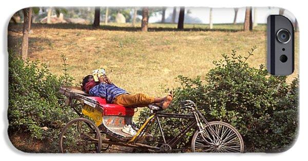 Rickshaw Rider Relaxing IPhone 6 Case