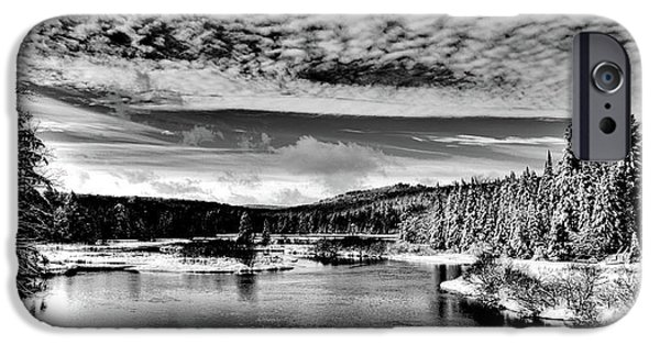 Snowy Day At The Green Bridge IPhone 6 Case by David Patterson