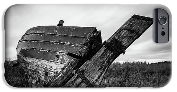 iPhone 6 Case - St Cyrus Wreck by Dave Bowman