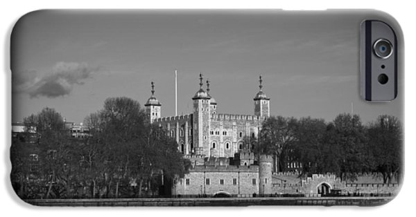 Tower Of London Riverside IPhone 6 Case by Gary Eason
