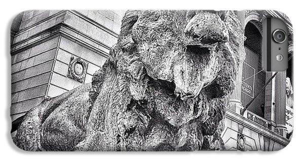Lion Statue At Art Institute Of Chicago IPhone 6 Plus Case