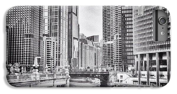 #chicago #cityscape #chicagoriver IPhone 6 Plus Case