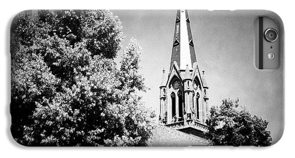 Church In Black And White IPhone 6 Plus Case