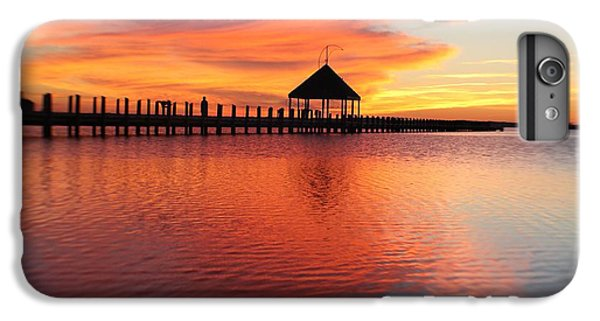 Gazebo's Sunset Reflection IPhone 6 Plus Case
