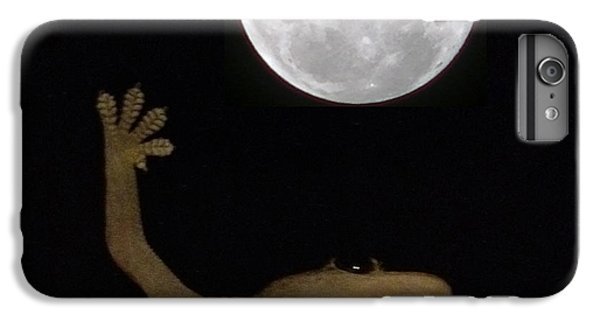Bestoftheday iPhone 6 Plus Case - Gecko Moon by Cameron Bentley