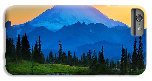 Mount Rushmore iPhone 6 Plus Case - Mount Rainier Goodnight by Inge Johnsson