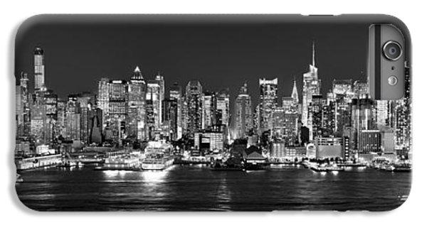 New York City Nyc Skyline Midtown Manhattan At Night Black And White IPhone 6 Plus Case
