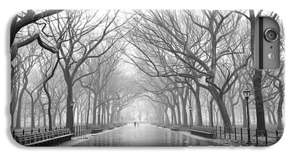 New York City - Poets Walk Central Park IPhone 6 Plus Case by Dave Beckerman