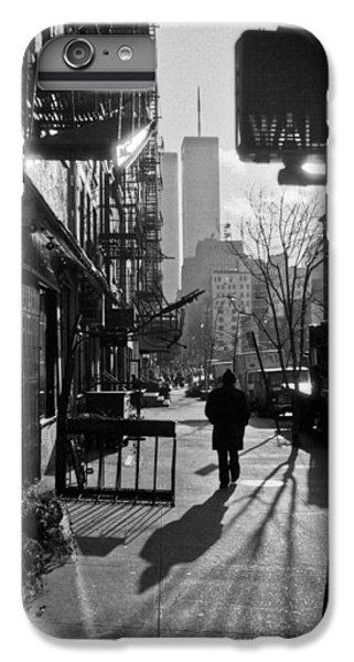 Walk Manhattan 1980s IPhone 6 Plus Case