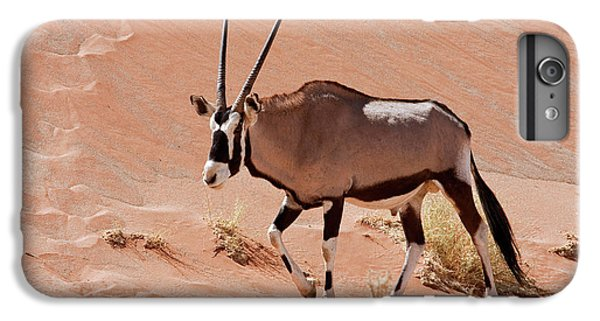 Walking Male Oryx (oryx Gazella IPhone 6 Plus Case