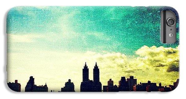 A Paintbrush Sky Over Nyc IPhone 6 Plus Case