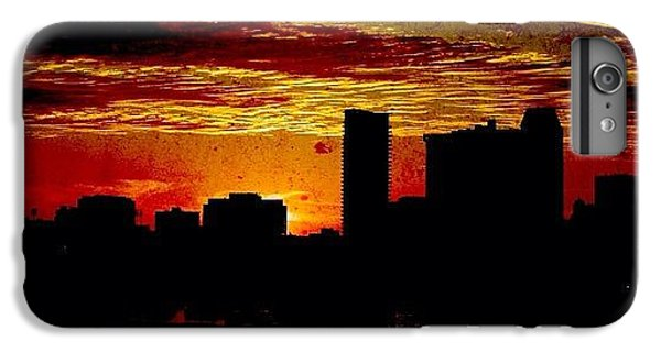 Igaddict iPhone 6 Plus Case - And Yet Another Day Closes by Matthew Blum