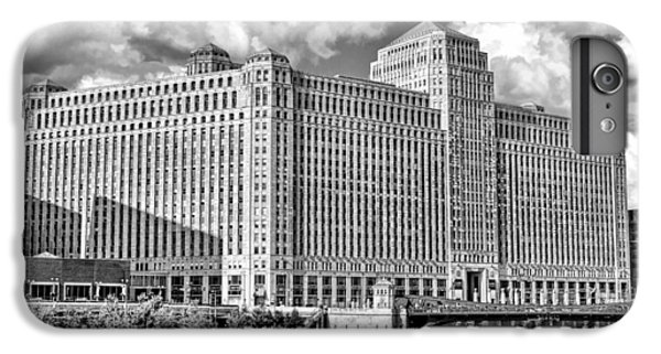 IPhone 6 Plus Case featuring the photograph Chicago Merchandise Mart Black And White by Christopher Arndt