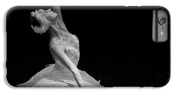 Dying Swan II. IPhone 6 Plus Case