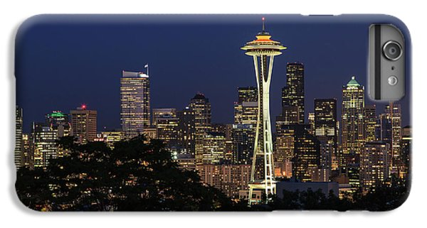 IPhone 6 Plus Case featuring the photograph Space Needle by David Chandler