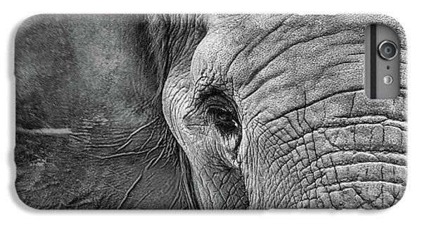 The Elephant In Black And White IPhone 6 Plus Case
