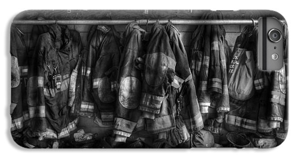 The Gear Of Heroes - Firemen - Fire Station IPhone 6 Plus Case