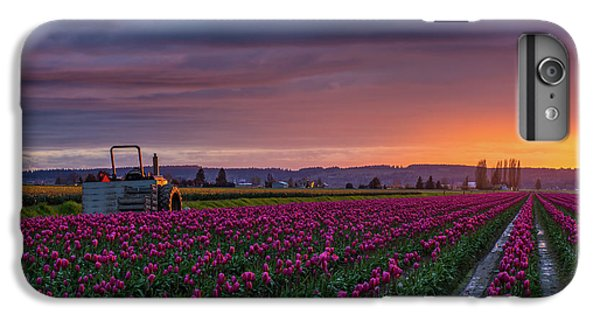 Tractor Waits For Morning IPhone 6 Plus Case